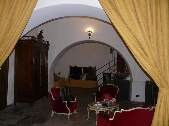 Ai Cartari B&B: the bed room like a suite