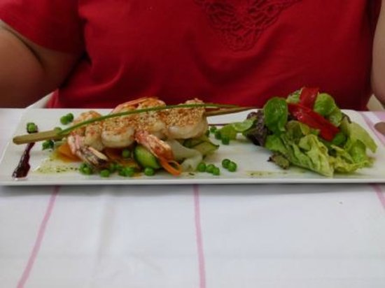 Hôtel-Restaurant Arraya : Grilled shrimp salad