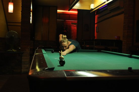 Sundance Riverside Hotel : Nice pool table