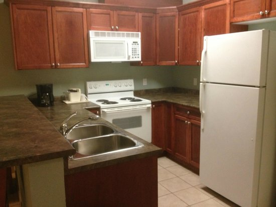 Lakeview Inn & Suites - Chetwynd: Kitchette Unit