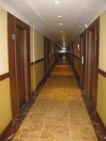 Gran Hotel Europe Comarruga: Pasillos