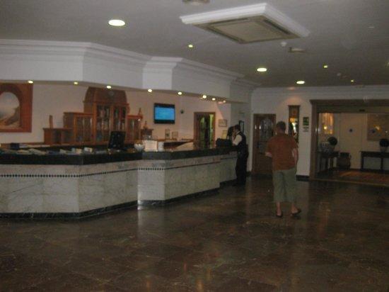Gran Hotel Europe Comarruga: Recepción
