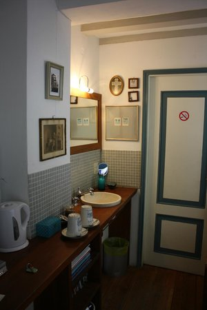 The Blue Sheep Bed & Breakfast Amsterdam: Blue Room