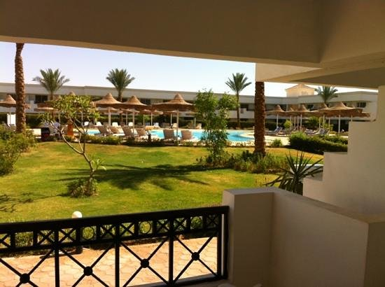 English pool, so relaxing - Picture of Viva Sharm Hotel