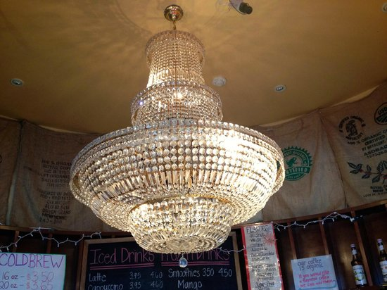 Cool Beans Cafe: chandelier was there when they took over the space