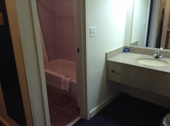 Travelodge Outer Banks/Kill Devil Hills : Add a caption