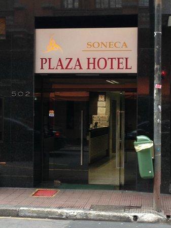 Fachada do Soneca Plaza Hotel