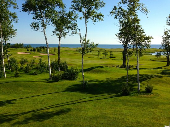Fox Harb'r Resort: The view from room 504, golf and ocean