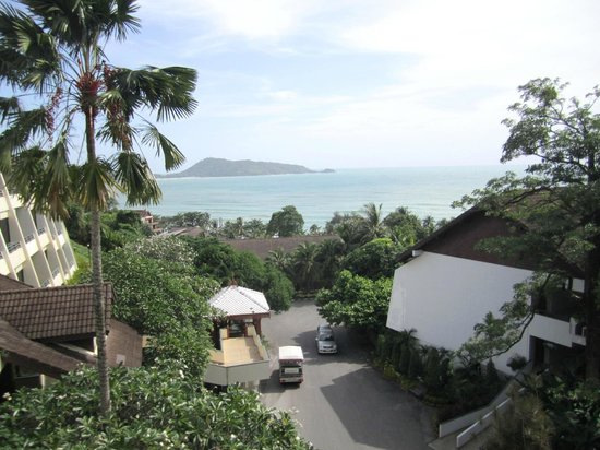 Diamond Cliff Resort and Spa: Breath taking view from our room and you can see the shuttle buses down below