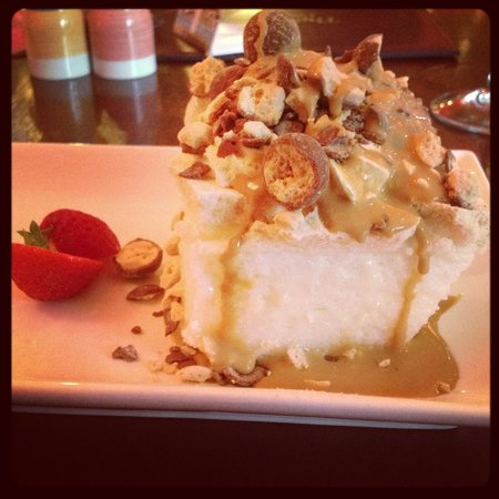 The Belfray Country Inn: Toffee and Malteser Pavlova