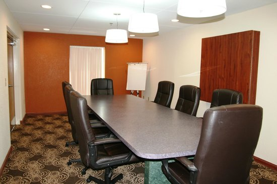 Comfort Inn & Suites Cookeville: Conference Room