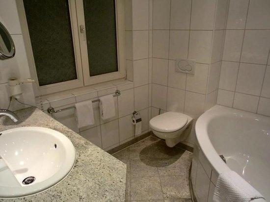 Hotel Am Augustinerplatz: Badezimmer