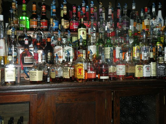 The Historic Occidental Hotel & Saloon and The Virginian Restaurant: The Occidental Bar