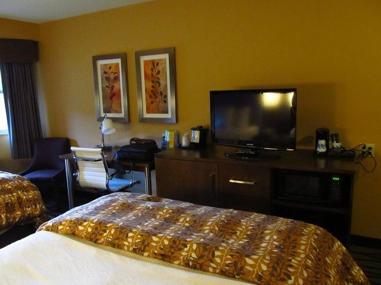 La Quinta Inn & Suites Butte: Our Room