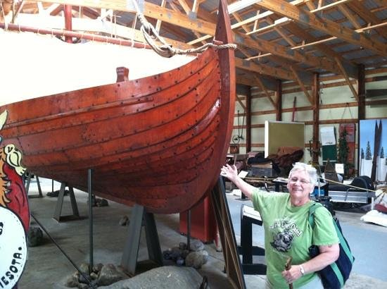 Runestone Museum: Captain Pat can find a lap strake ship