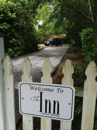The Inn at Ocean Springs: Private, off-street parking.