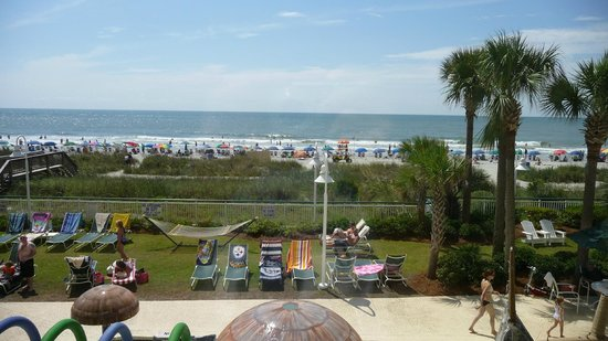 Hampton Inn & Suites Myrtle Beach/Oceanfront: Looking out from terrace