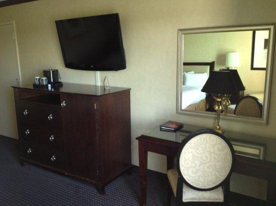 Hollywood Casino Tunica Hotel : large tv