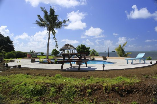 The Savaiian Hotel: new pool