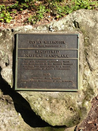 Devil's Millhopper Geological State Park: Entrance