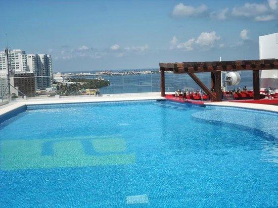Aloft Cancun: ROOF TOP POOL