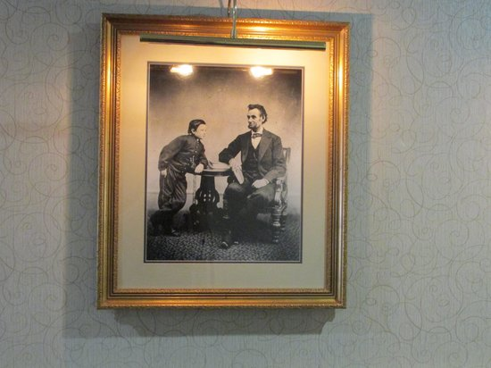 Gettysburg Hotel: My Favorite picture in the hotel