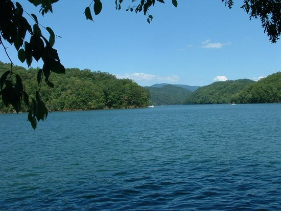 Turkey Creek Campground : Gorgeous view of Fontana Lake at end of the hiking trail.