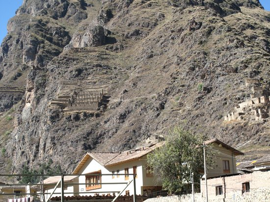 Hotel Casa de Mama Valle: vistas de los vestigios incas desde la habitacion