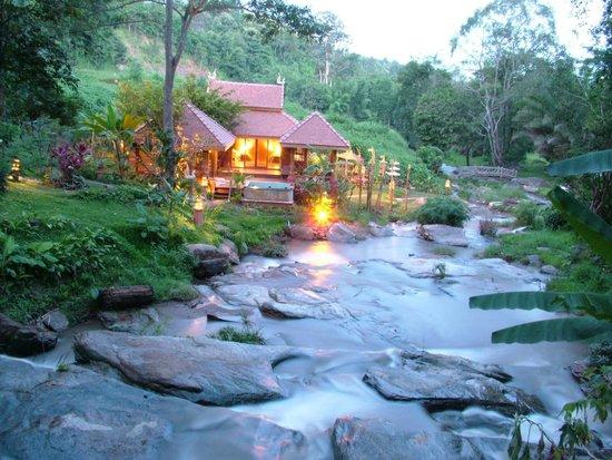 sukantara cascade resort spa r m 7 7 8 rm 391. Black Bedroom Furniture Sets. Home Design Ideas