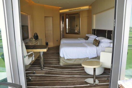 The Meydan Hotel: habitación de 2 camas