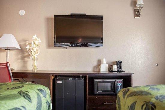 """Motel Capri: 40"""" LCD TVs"""