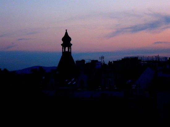 Hotel Carlton Opera : View from my window, sunset