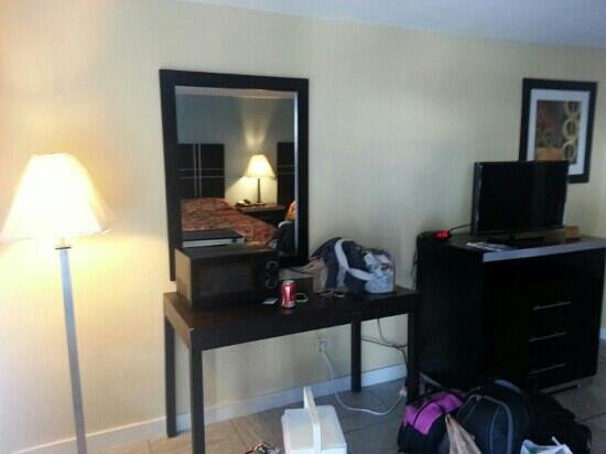 Blue Marlin Motel: flat screen tv with many channels