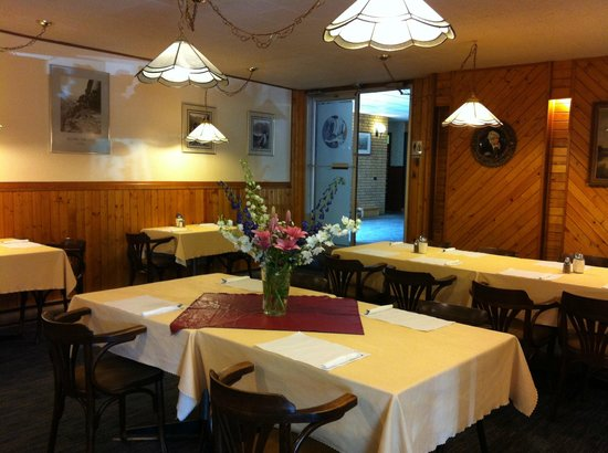 The Valhalla Inn : Business or social meetings with great food !