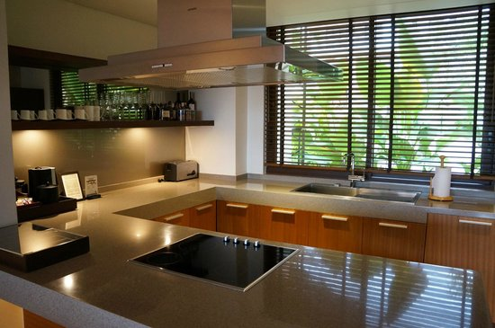 Movenpick Resort Bangtao Beach Phuket: Nice and well equipped kitchen