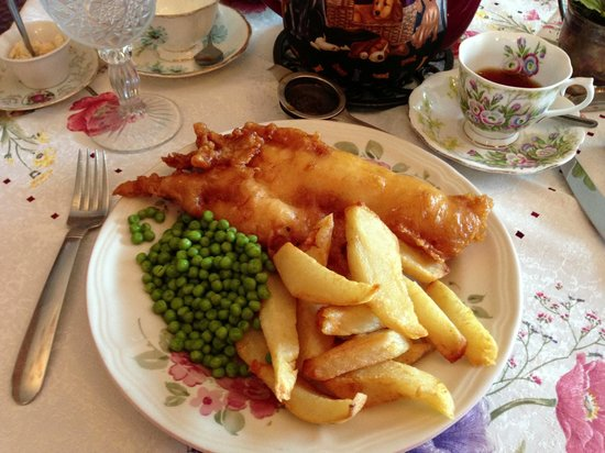 Queen Charlotte Tea Room : Their fabulous fish & chips!