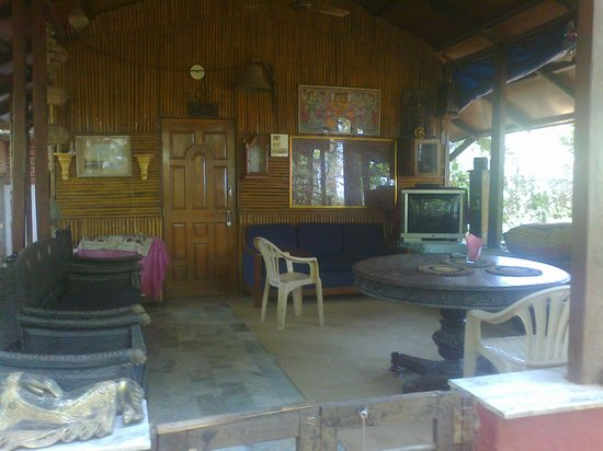 Thane, Indien: Cottage with Sit Out and T.v