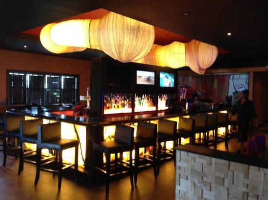Dragonfly: Bar area