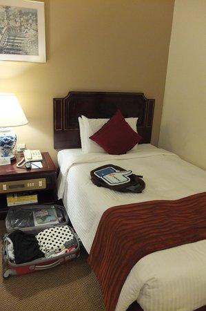 Grand Pacific Hotel: เตียงนอนนอนสบาย