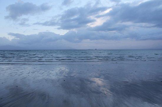 Banna Strand: Beautiful water.