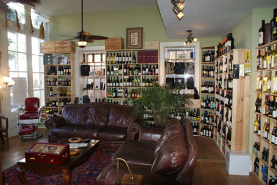 Charlestowne Tobacco and Wine : Wine Parlor