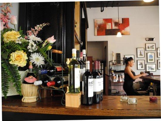 L'Eden Restaurant and Bar: The bar