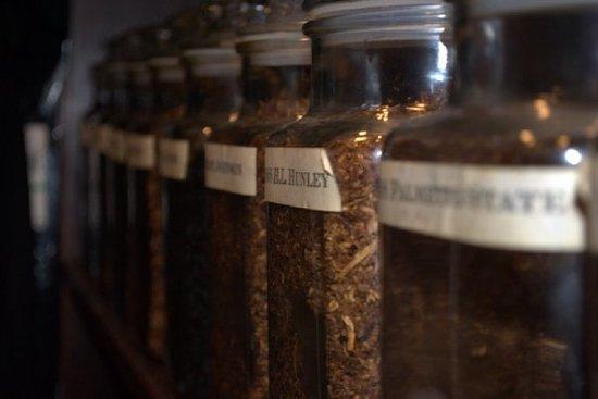 Charlestowne Tobacco and Wine : Pipe Tobacco