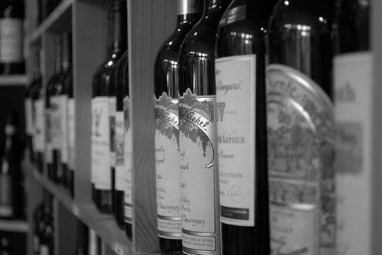 Charlestowne Tobacco and Wine: A vast selection of Wine