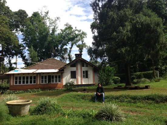 Hilly Side Home Stay : Side View