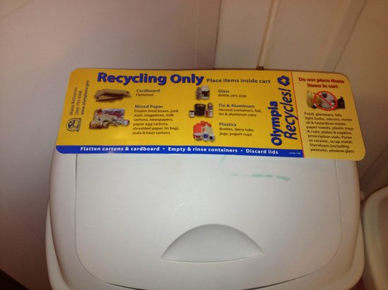 Short Stay Lodgings - Franklin Street Inn: Yes we expect our guests to recycle at Short Stay!