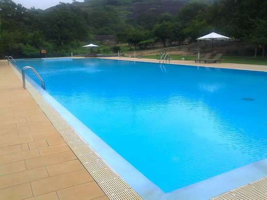 The Paradise Resort and Spa: Swimming pool