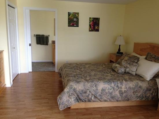 Dogwood Bed and Breakfast : Bedroom
