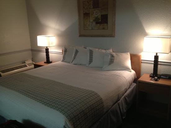 Comfort Inn Midtown: King suite