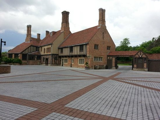 Meadow Brook Hall: view of the main house and entrance